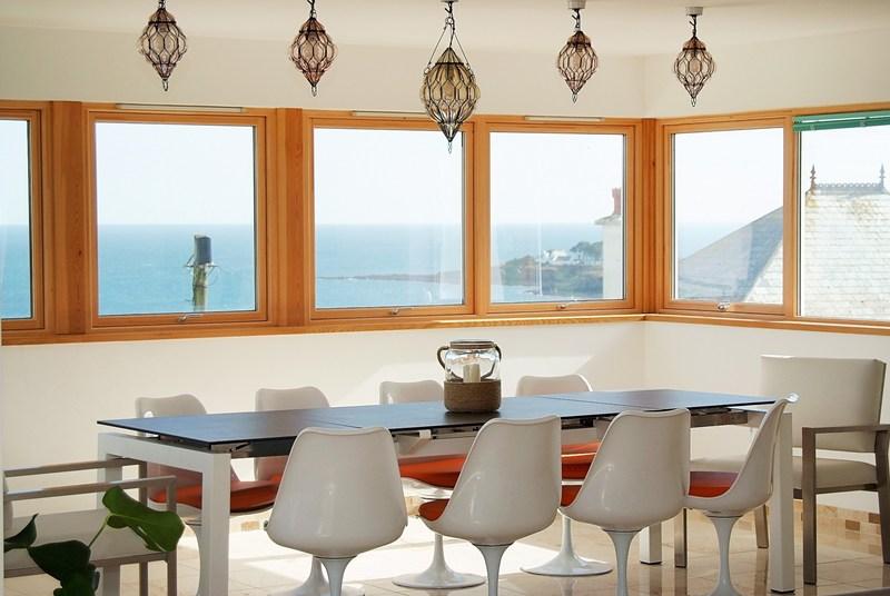 dining-room-skysail1